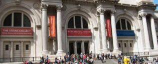 Metropolitan Museum Oudside