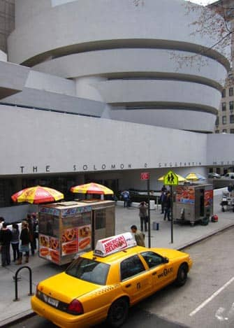 Guggenheim Museum in NYC - Taxi