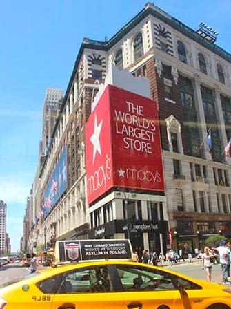 Macys in NYC - Taxi