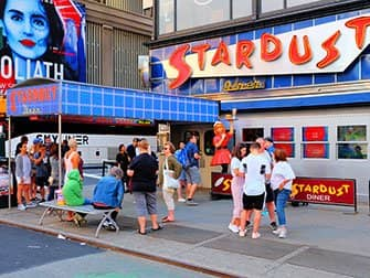 Theme Restaurants New York - Ellen's Stardust Diner