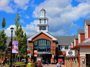 91bccd1affa Woodbury Common Premium Outlet Center in New York - NewYorkCity.ca