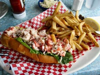 Day Trip to Boston from New York - Lobster roll