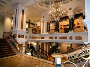 Manhattan Dinner Show And Hotel Room Deals