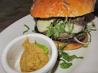 Burgers-in-New-York-Maialino-burger