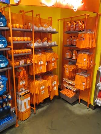 MM-store-merchandise