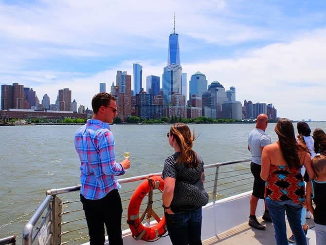 Bateaux Lunch Cruise in New York - The View