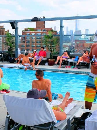 Swiming in New York - Royalton Hotel